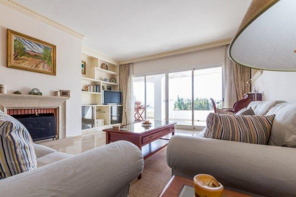 Sold: 3 Bedroom, 2 Bathroom Apartment in Señorio de Marbella, Marbella Golden Mile