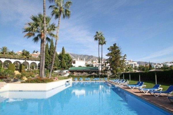 Sold: 2 Bedroom, 1 Bathroom Penthouse in Señorio de Marbella, Marbella Golden Mile