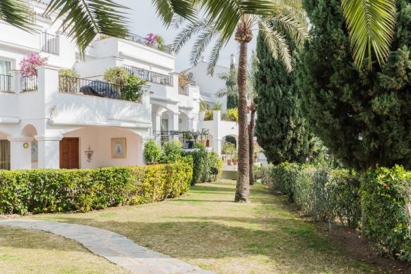 Sold: 2 Bedroom, 2 Bathroom Apartment in Señorio de Marbella, Marbella Golden Mile