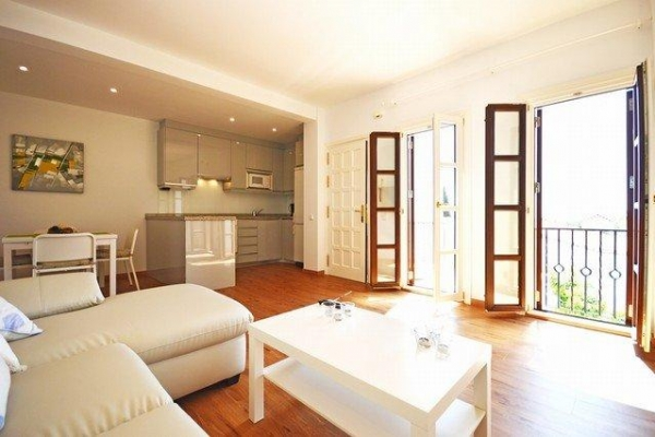 Sold: 2 Bedroom, 1 Bathroom Penthouse in Señorio de Marbella, Marbella Golden Mile