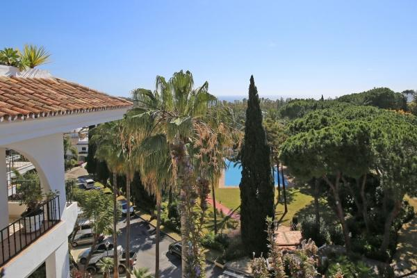 Sold: 2 Bedroom, 2 Bathroom Apartment in Señorio de Marbella, Marbella Golden Mile
