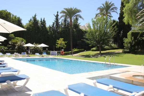 Sold: 2 Bedroom, 1 Bathroom Apartment in Señorio de Marbella, Marbella Golden Mile