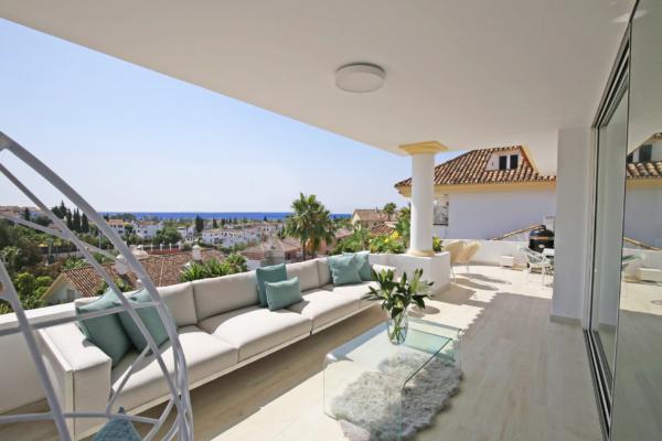 3 Bedroom, 3 Bathroom Penthouse For Sale in Marbella Golden Mile